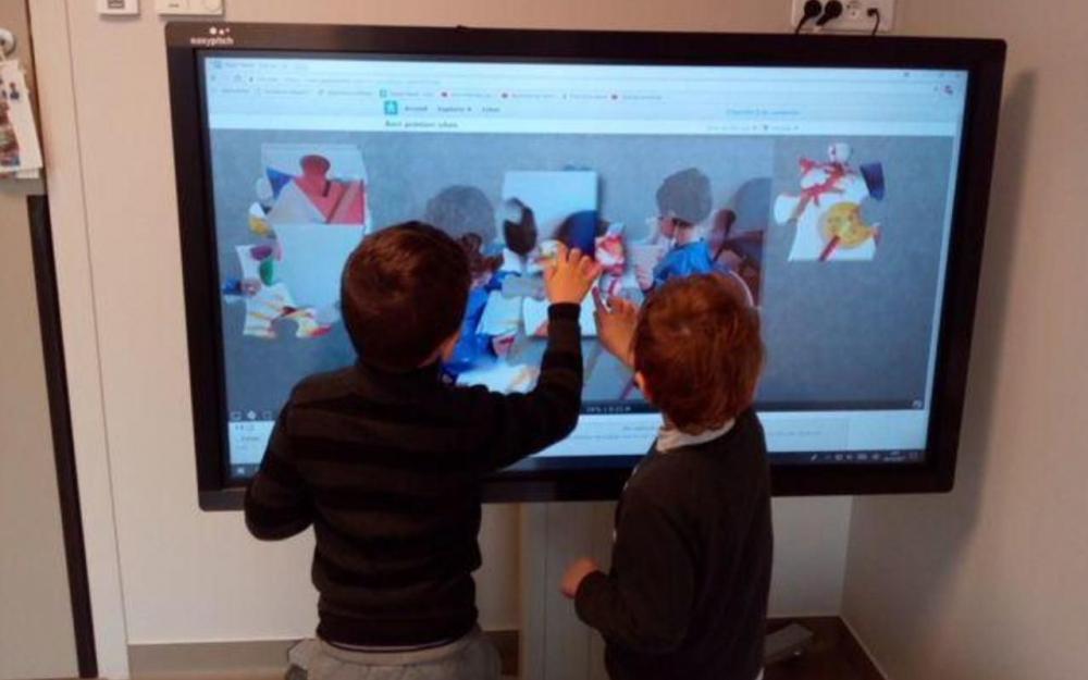 utilisation de lecran interactif easypitch au centre teddy bear