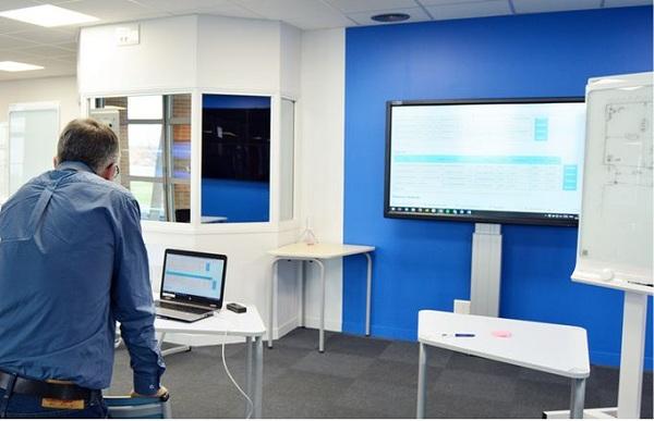 connecter ordinateur portable ecran interactif